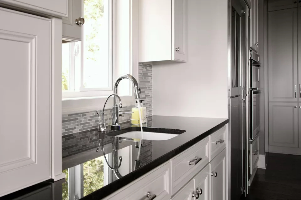 Highly Polished Black Pearl Granite Countertop